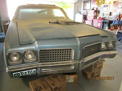 1970 Oldsmobile Ninety-Eight  1970 Oldsmobile 98 two door coupe project car, tons of extra's,clean body, LOOK!