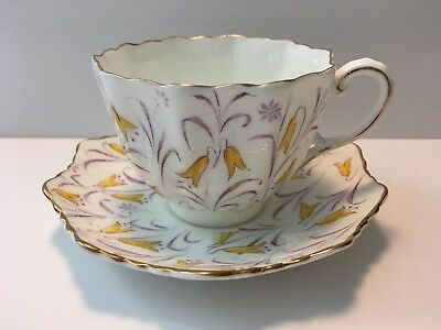 Vintage Paragon by Appointment H.M. The Queen & H.M. Queen Mary tea cup/saucer