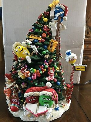 The Danbury Mint  The M&M's Christmas House-tested works short in wire