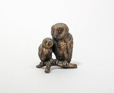 Vintage cast brass figurine 2 hugging owls mom & baby birds on branch sculpture