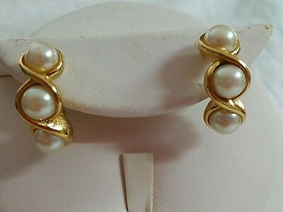 Vintage gold tone metal triple white faux pearl pierced earrings Mixed Materials