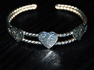 """An Absolutely Gorgeous Montana Silversmiths """"hearts On Rope """" Bracelet 2-1/2"""" W"""