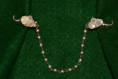 """VINTAGE 1940-50s MOTHER of PEARL Gold tone SWEATER CLIP 5.5"""" Chain 8"""" total"""