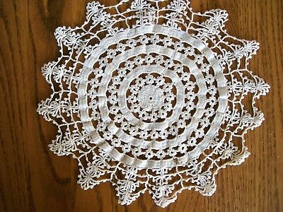 Antique Hand Crocheted Doily Elaborate Wheel Pattern Ending in Points Beautiful