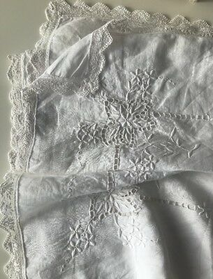 Beautiful Vintage Antique Hand Embroidered White Floral Linen Lace Tablecloth