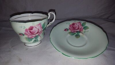 Paragon Teacup Dw 1937 To 1952 Green With Pink Cabbage Rose