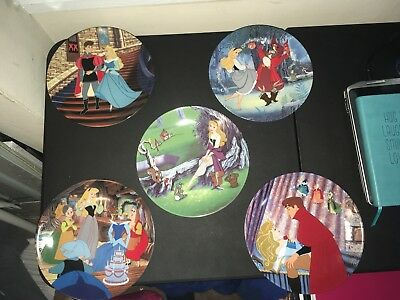 12 Disney Knowles Fine China Collector Plate Set Lot of 12 Edwin Knowles