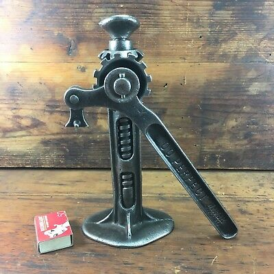 "c.1920's VINTAGE ""WALKER MFG CO"" ""00 PERFECT"" B13 CAR SCREW JACK MODEL T FORD"