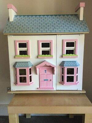 Dolls House Le Toy Van 'Mayberry Manor' as new condition with original box