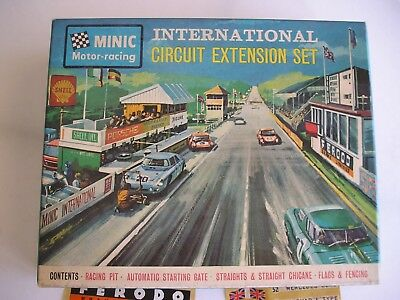 Minic Motor Racing.  International circuit extension set.  1531  New and boxed.