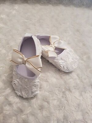 Baby girl white flower moccasins shoes