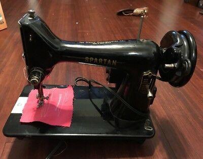 VINTAGE 40 SINGER Spartan Sewing Machine Model 40K Serial Delectable 1960 Singer Spartan Sewing Machine Model 192k