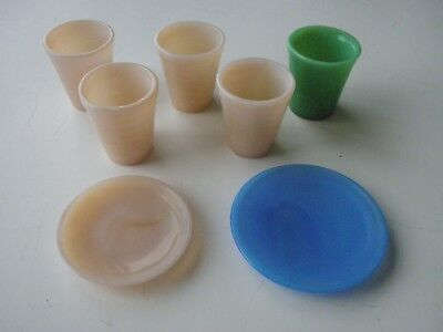 Vintage Lot of Akro Agate Child's 5 Tumblers and 2 Plates