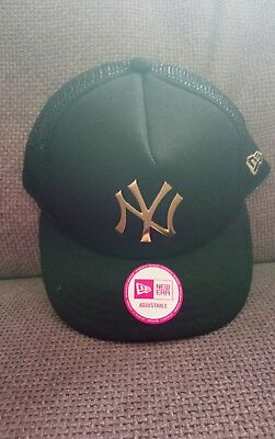 New Era Cap MLB NY New York Yankees gold metallic effect logo snapback Baseball