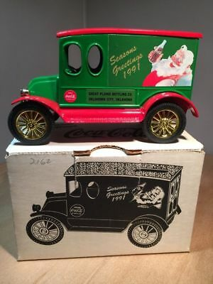 ERTL Coke-Coca-Cola-1920 Die-Cast-Coin-Bank-1991 Truck-Seasons-Greetings
