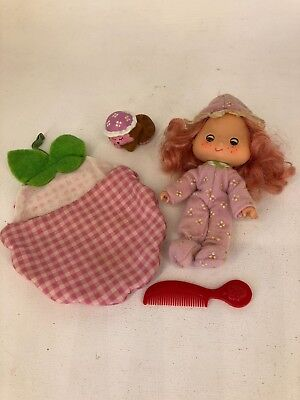 Vintage 1980s Strawberry Shortcake - Raspberry Tart with Rhubarb Sweet Sleeper