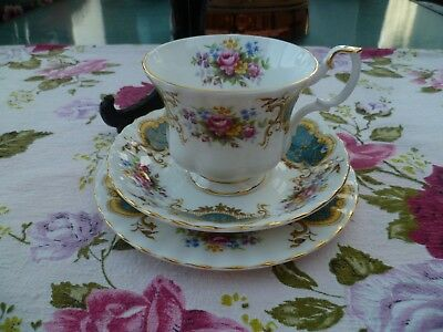 Lovely Vintage Royal Albert English China Trio Tea Cup Saucer Plate Berkeley