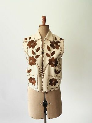 70s Embroidered Vest in great condition, beautiful detailing!