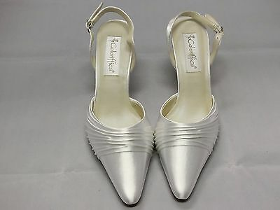 Coloriffics Godiva White Satin Bridal Shoes Woman Size 8W
