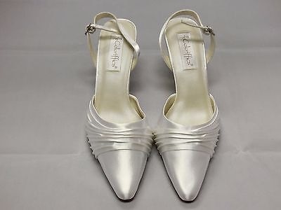 Coloriffics Godiva White Satin Bridal Shoes Woman Size 9.5W