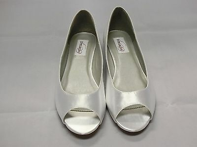 Dyeables Kara White Satin Bridal Shoes Woman Size 10B