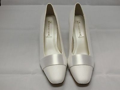 Coloriffics Nancy White Satin Bridal Shoes Woman Size 8.5