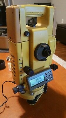 Topcon GTS 300d 300 Total Station Land Surveying Civil Engineering Construction