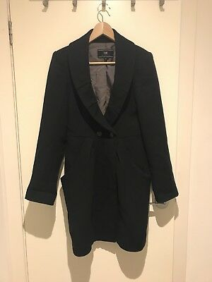 Cue Woman's Black Coat Size 8