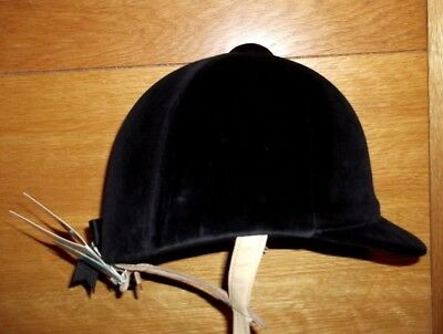 New  6 7/8 - 56cm  Black Champion CPX 3000 Deluxe Riding Hat pas015:1998  BNWT