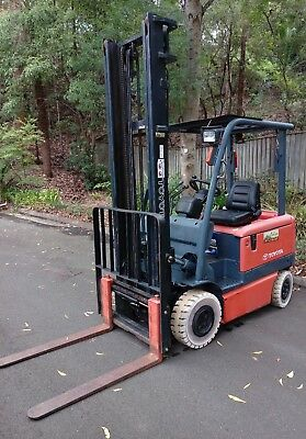 Forklift Toyota 6FB25 Electric - 2.5 Tonne capacity