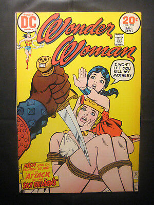"WONDER WOMAN #209, 1974, ""Attack of the Sky Demons,"" Bondage cover! (FN+/VF-)"