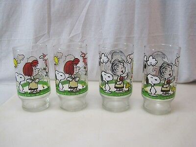 (4) Vintage Peanuts Snoopy Charlie Brown Collector Glasses B8044