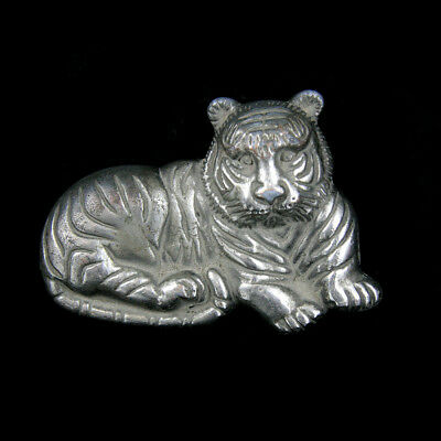 A Mongolian silver alloy belt buckle in tiger form x2845