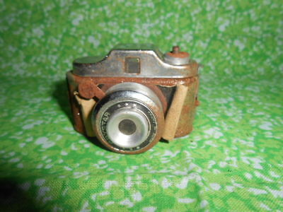 "Vintage Crystar 2"" Miniature  Camera  Made in Japan"