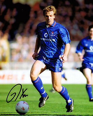 Kerry Dixon SIGNED Autograph 10x8 Photo in Chelsea Kit AFTAL COA Private Signing