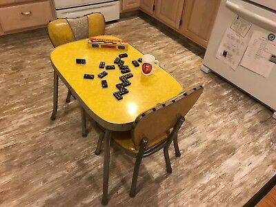 Childs Vintage Chrome & Formica Table w/2 Chairs