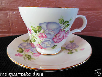 Crown Trent Fine Bone China Staffordshire England Floral Motif 8 oz Cup & Saucer