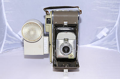 Polaroid Land Camera Model 80 Folding Camera with Flash -  Ships from Canada!