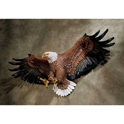 "Design Toscano 31"" Freedom's Pride American Eagle Hand Painted Wall Sculpture"