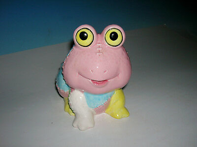 Vtg Smiley Frog Planter Made in Japan with a quilted overall pattern TOO FUNNY