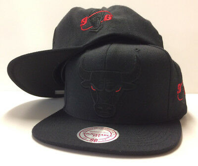 Chicago Bulls Mitchell & Ness Cap NBA 1996 Snapback Hat 72-10 JORDAN Red Eye