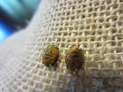 VINTAGE 14K Yellow GOLD Delicate Tigers Eye Egyptian SCARAB Carved Stud EARRINGS