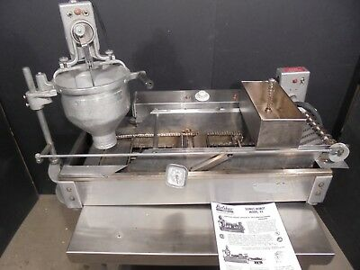 Donut Maker / Machine / Fryer / Donut Robot / Belshaw Dr-42  $2400.00 Works 100%