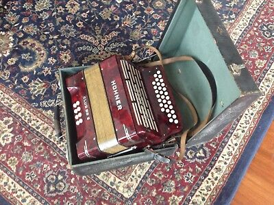Hohner ClubIIIB S 1953 vintage in working condition, 2-row cord buttons w/straps
