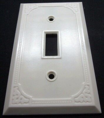 Vintage Art Deco Dots Fine Ribs Lines Ivory Bakelite Switch Plate Cover see cond
