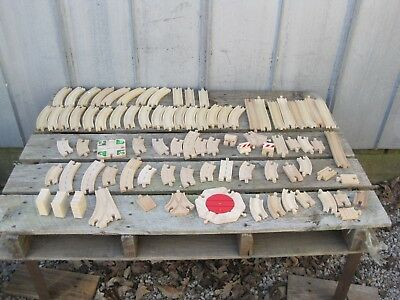Thomas The Tank Style Wooden TRACK, LARGE LOT OF 85 ASSORTED PIECES B8089