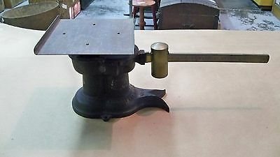 Antique Cast Iron & Brass Howe 1931 United States Postal Scale 4 LB