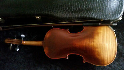 Old German Violin 1/2  Un-labeled w/ Case &  Bow