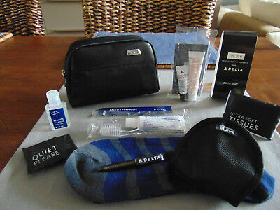 DELTA AIR LINES Business Class TUMI Amenity Kit Trousse Neceser Kulturbeutel