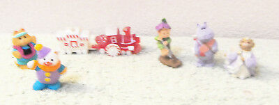 mixed lot of 6 vintage Hallmark Merry Miniature figurines